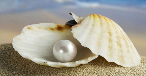 Pearl Stone for Beauty Charm Emotions Mind Lustrous & Smooth Skin